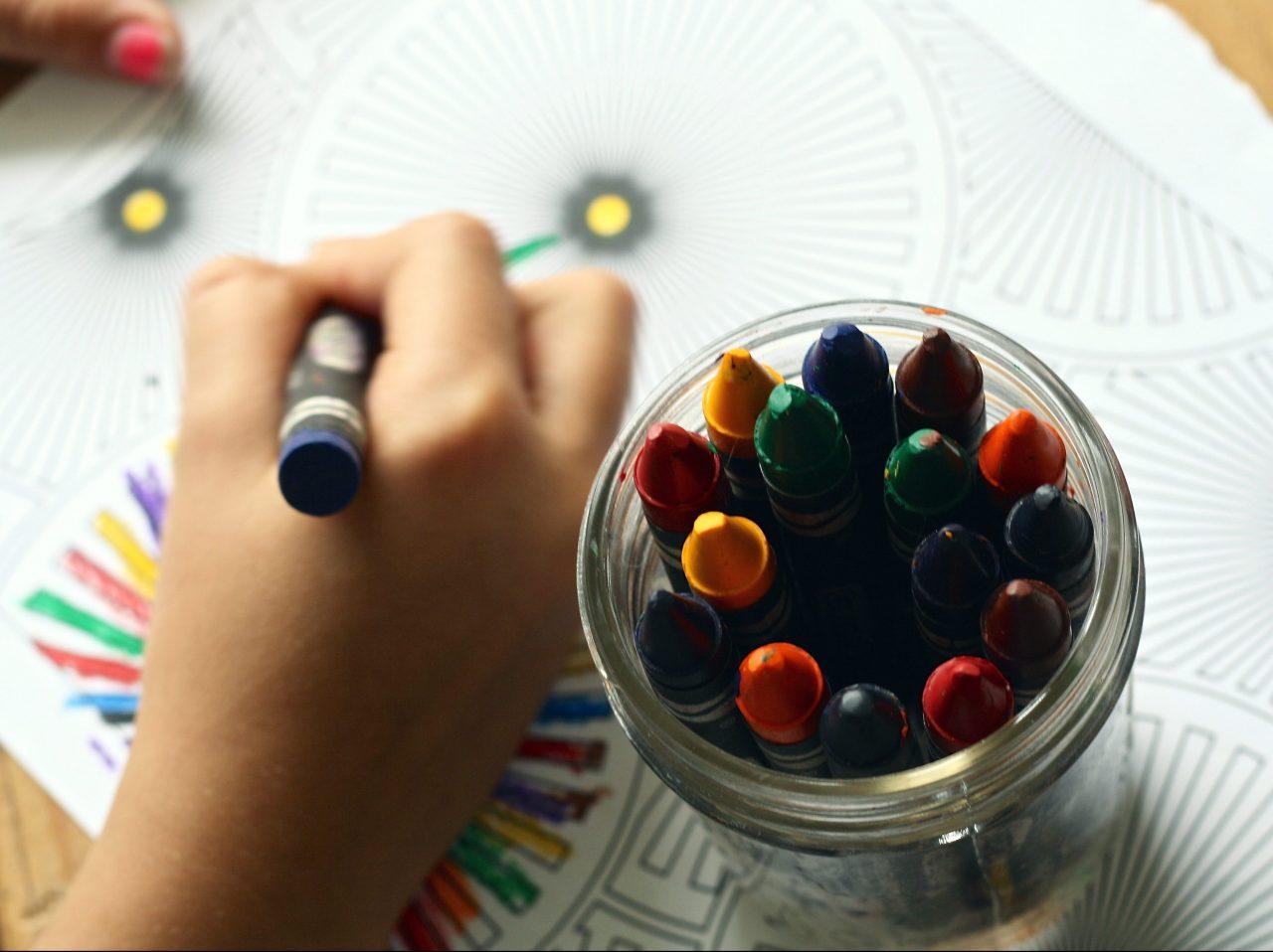 https://s3-ap-southeast-1.amazonaws.com/mindchamps-prod-wp/wp-content/uploads/2017/08/16142833/crayons-coloring-book-coloring-book-159579-e1502696480528-1280x958.jpeg