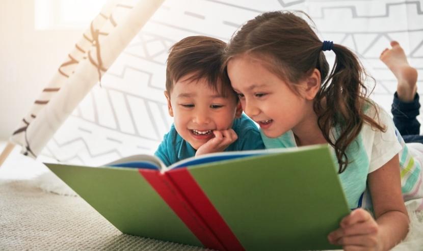 https://s3-ap-southeast-1.amazonaws.com/mindchamps-prod-wp/wp-content/uploads/2018/04/16204521/Kids-reading-book.jpg