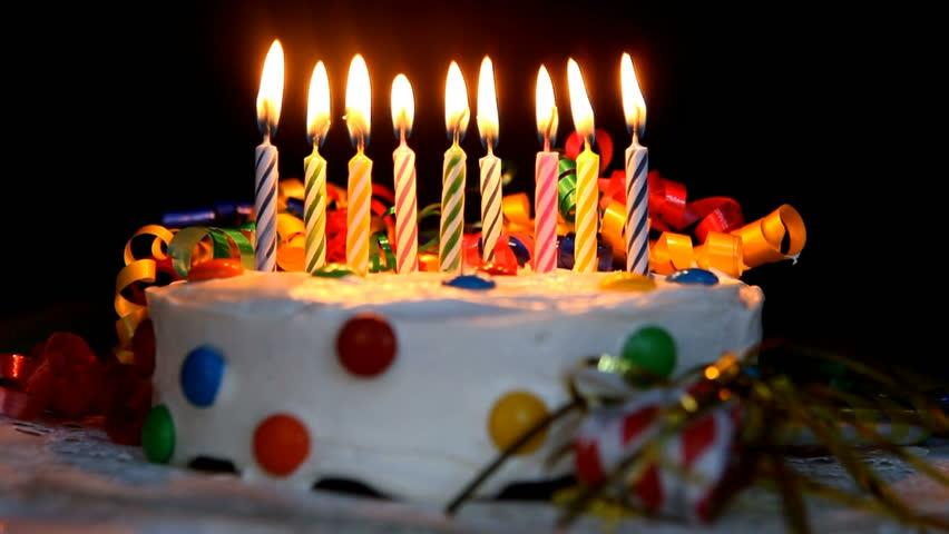 https://s3-ap-southeast-1.amazonaws.com/mindchamps-prod-wp/wp-content/uploads/2019/12/16232719/Birthday-Cake.jpg