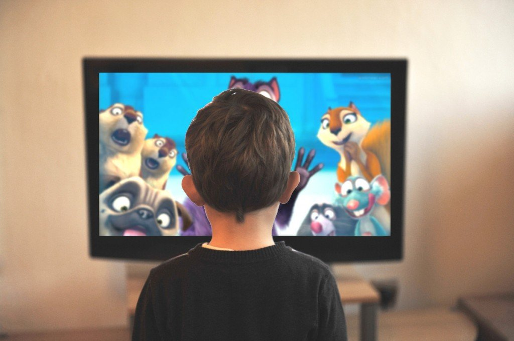 https://s3-ap-southeast-1.amazonaws.com/mindchamps-prod-wp/wp-content/uploads/2020/05/04101739/Kid-watching-tv.jpg