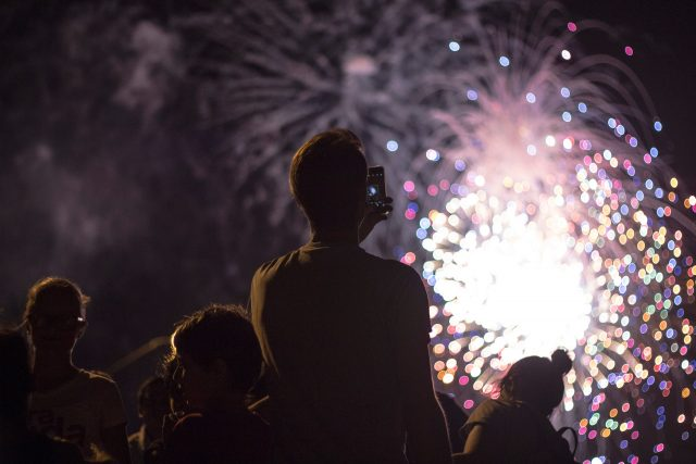 countdown to 2021 best places to watch fireworks