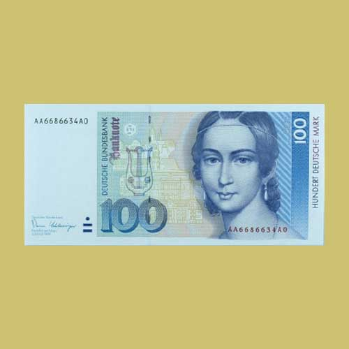 Noted-Pianist-Clara-Schumann-on-German-Banknote