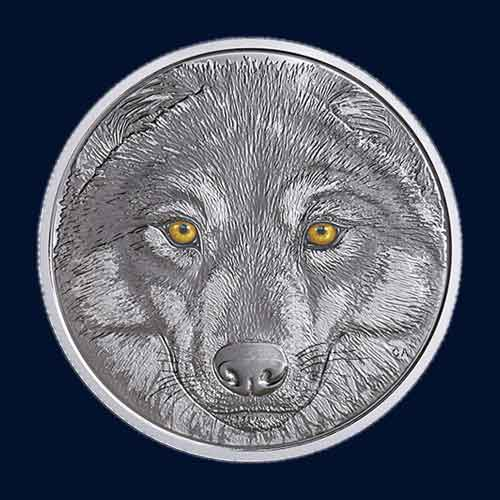 Wolf-and-its-Beautiful-Glowing-Eyes-on-Canadian-Coins