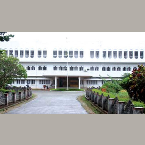 Calicut-University-Receives-Coin-Collection-as-a-Gift