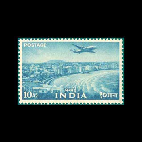 Mumbai's-iconic-Marine-Drive!