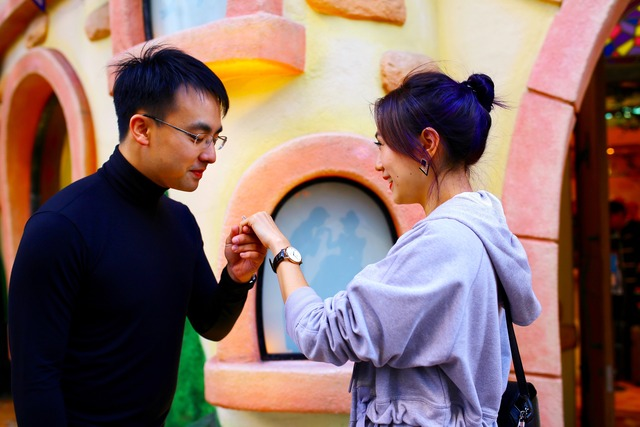 Zoe Raymond Proposal in Disneyland