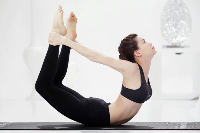 6 bài tập yoga giúp vòng 1 căng tròn như ý