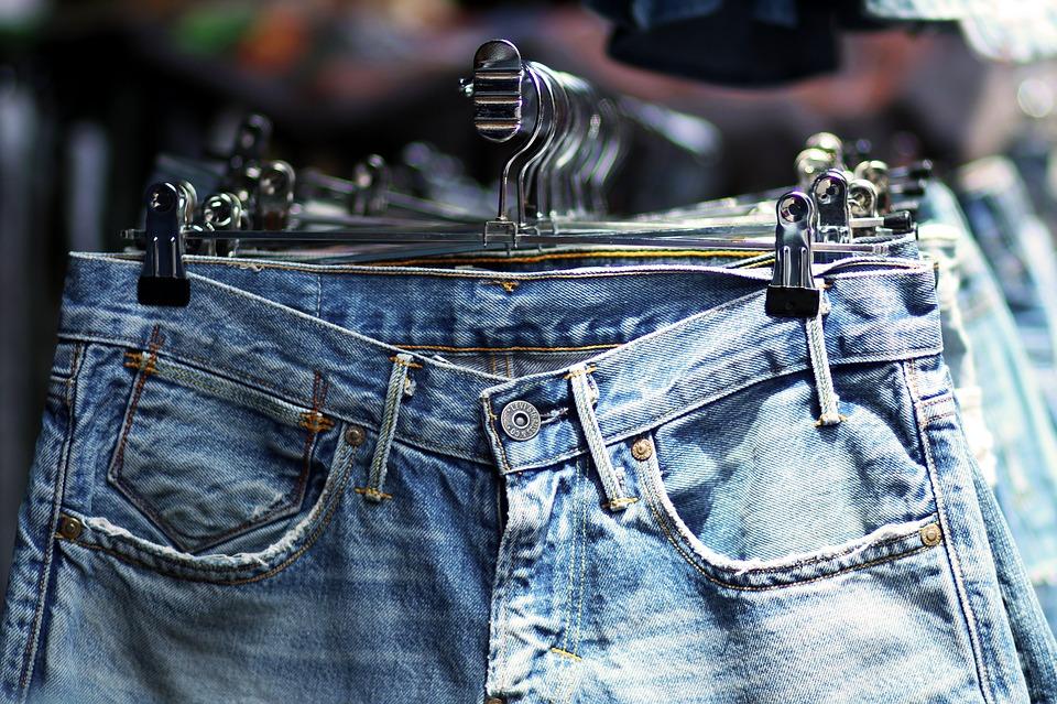 Mách bạn tuyệt chiêu bảo quản quần jean trông như mới