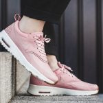 Giày Nike hồng