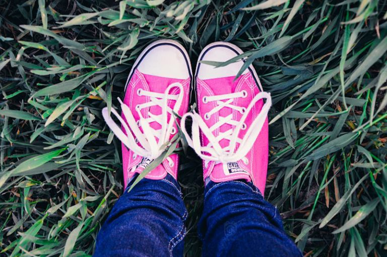 Những kiểu giày mùa hè cho nàng năng động tha hồ tung tăng