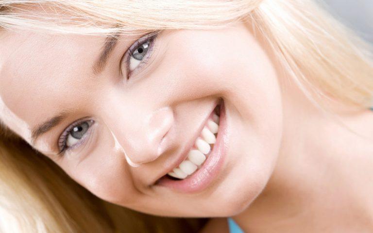 Cách tẩy trắng răng an toàn và nhanh chóng cho nụ cười xinh