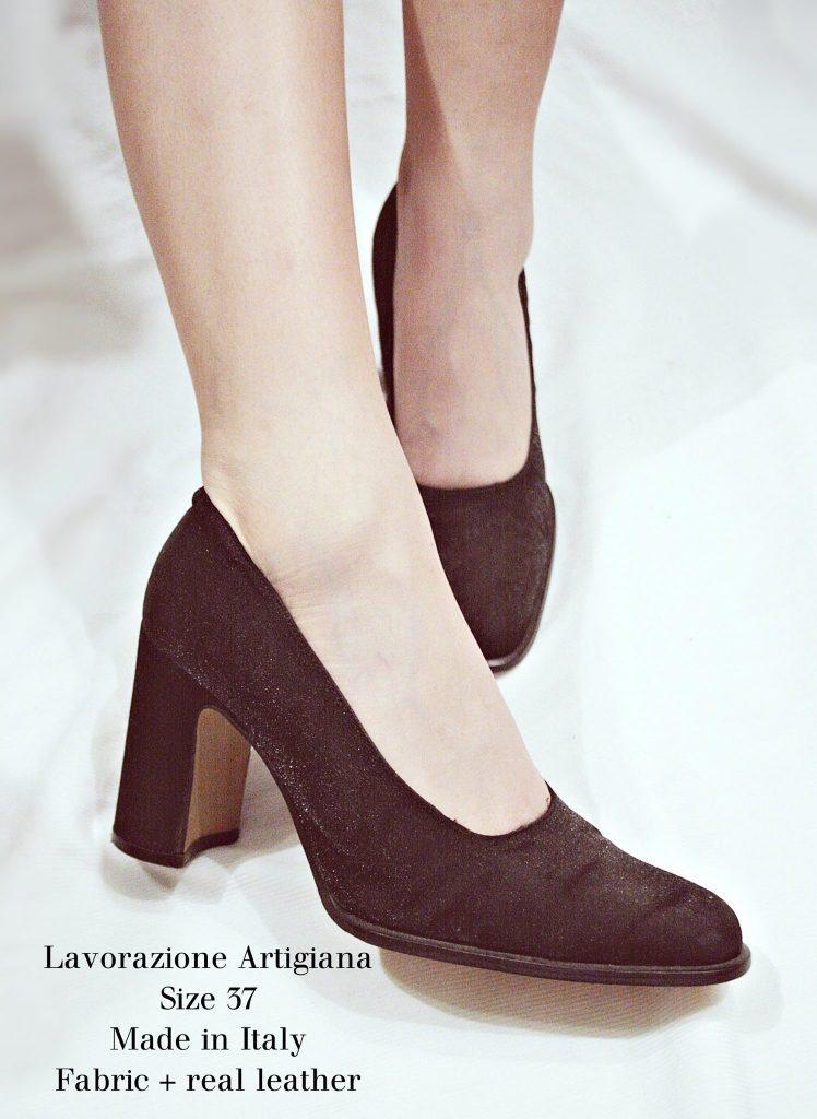 giày thôn nữ và bông bụp