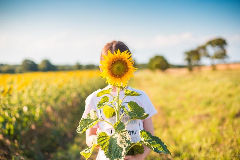 Ngày hạnh phúc, con gái phải làm gì để thực sự hạnh phúc?