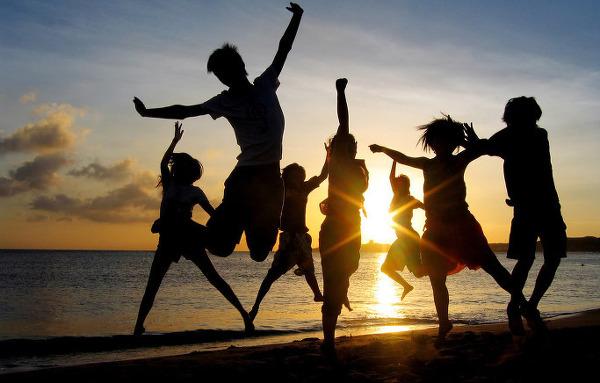 Những lợi ích của việc đi chơi cùng bạn bè
