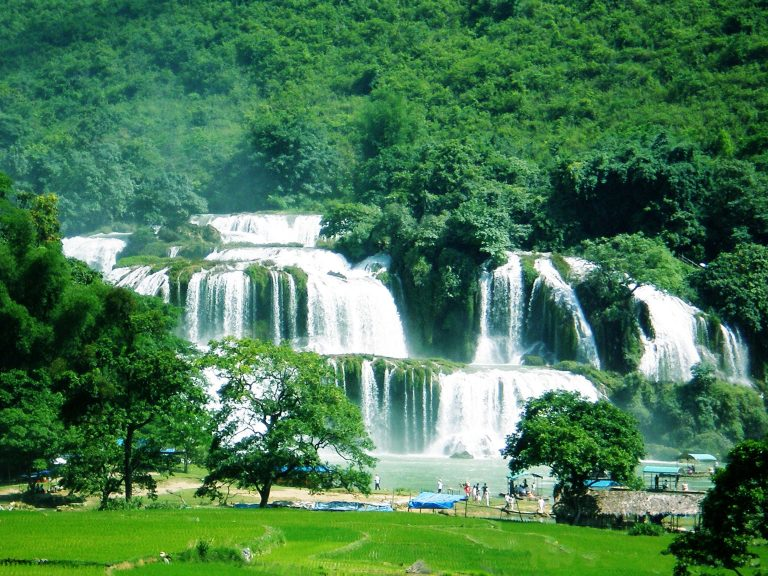 10 thác nước đẹp nhất Việt Nam dành cho dân phượt (Phần 1)