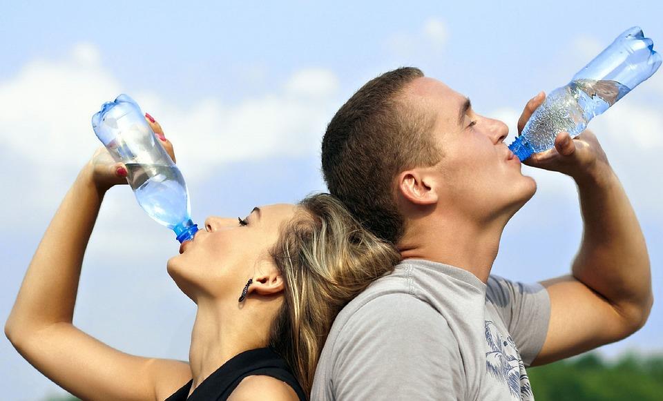 Bạn đã biết cách uống nước đúng để có lợi cho sức khỏe?