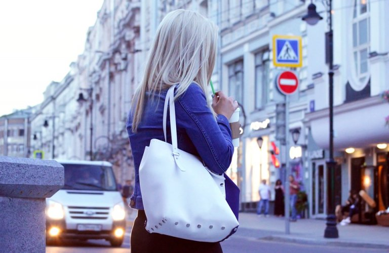 Cập nhật 6 xu hướng túi xách cho mùa hè 2017