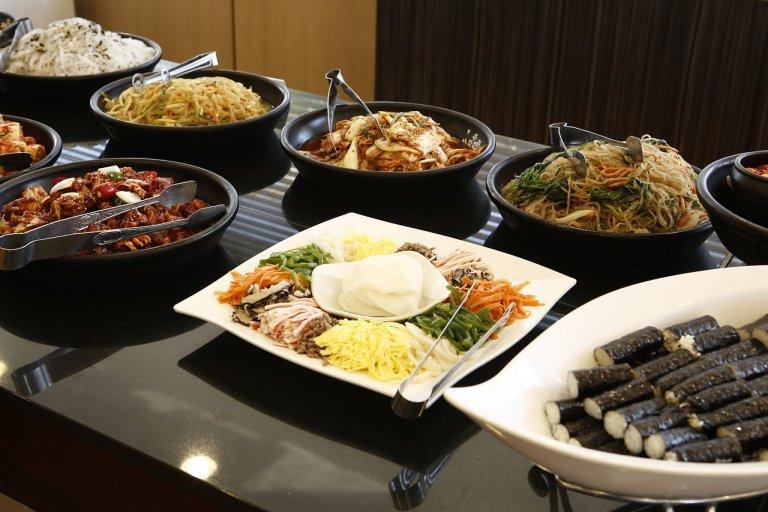 Mách bạn 10 nhà hàng buffet ngon – bổ – rẻ tại Sài Gòn (Phần 1)