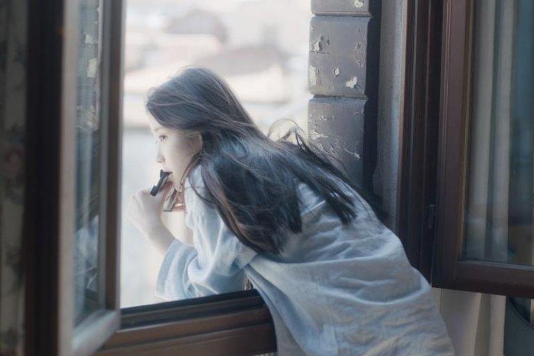 Mỗi khi thấy cô đơn, hãy nhớ đến 6 điều này, các cô gái nhé!
