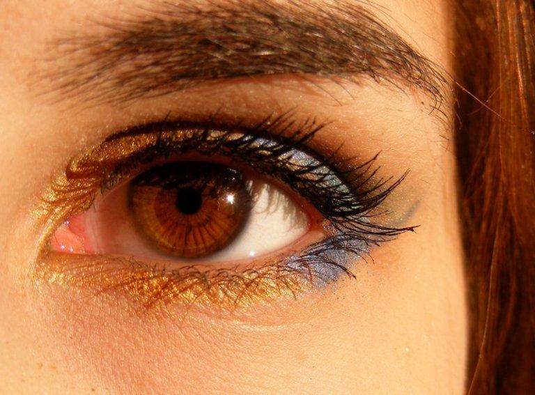 Phong cách trang điểm Metallic: tỏa sáng vẻ đẹp thời thượng