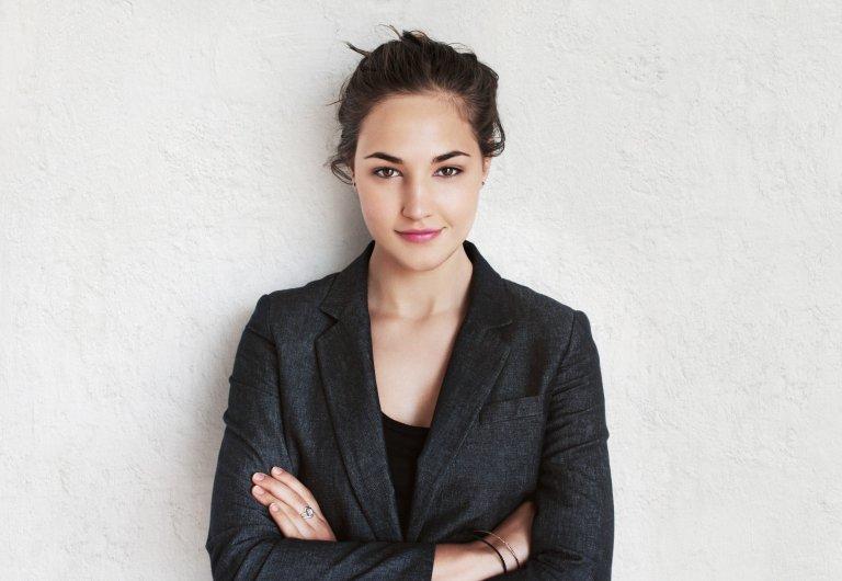 Gợi ý màu sắc trang phục phù hợp để nàng tự tin đi phỏng vấn