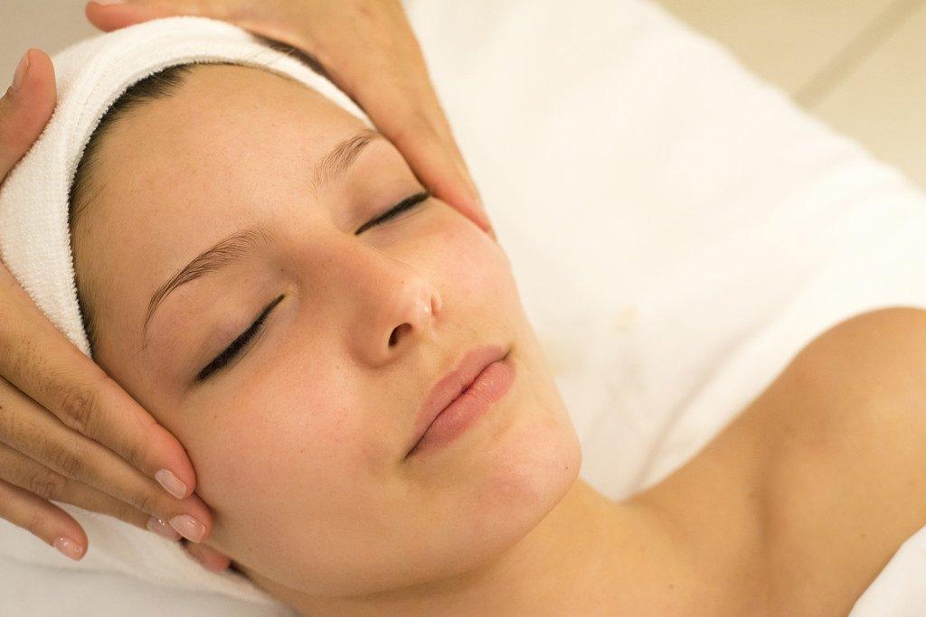 Thực hiện 7 bước dưỡng da tại nhà như đến spa (Phần 2)