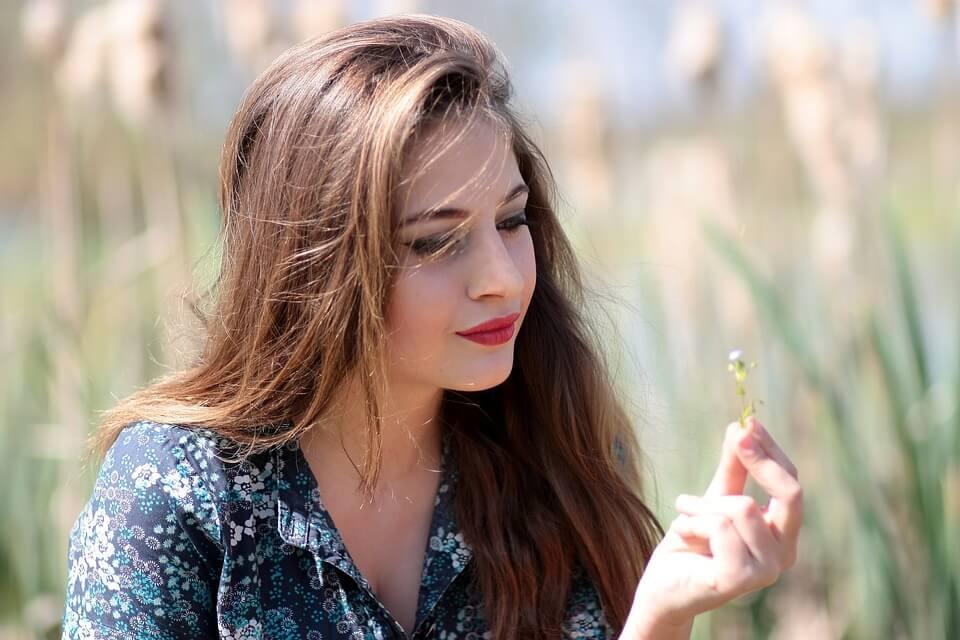 3 chai dầu dưỡng giá mềm giúp tóc mọc cực nhanh (Phần 2)