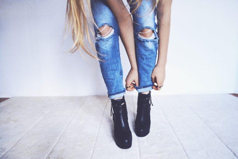 Bỏ túi tuyệt chiêu chọn quần jeans che khuyết điểm đôi chân