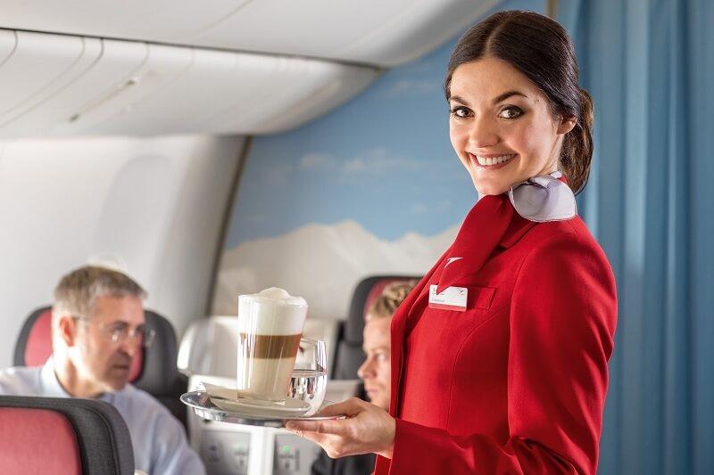 Học nữ tiếp viên hàng không cách làm đẹp trên mỗi chuyến bay