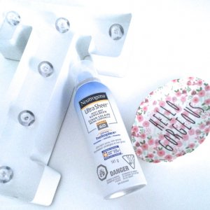 kem-chong-nang-dang-xit-neutrogena-ultra-sheer-body-mist-sunscreen-spf-30