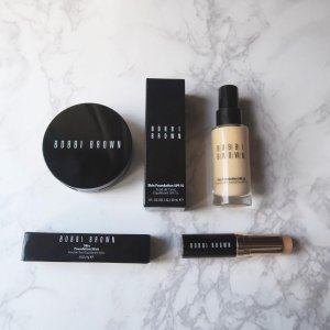 bobbi-brown-foundation-2