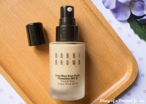 kem-nen-bobbi-brown-long-wear-even-finish-foundation-spf-15-4