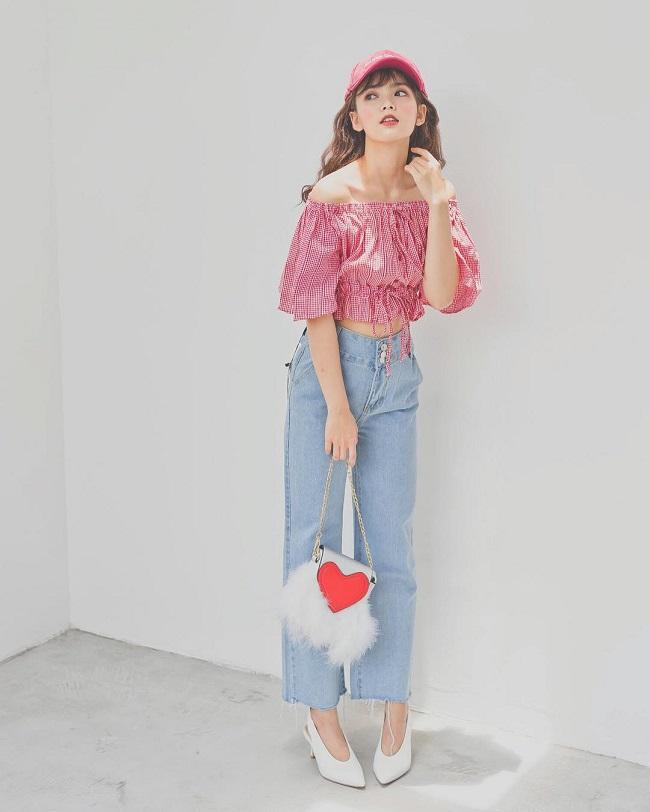 Kết quả hình ảnh cho Áo crop top + quần jeans cạp cao