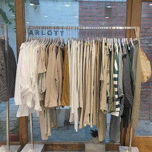 shopping-quan-ao-ngay-thu-shop-charlott-2