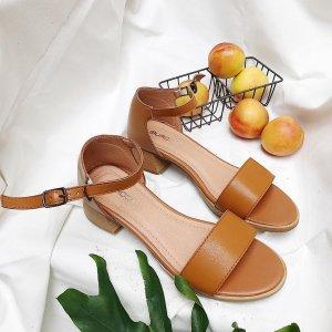 shopping-quan-ao-ngay-thu-shop-charlott-3