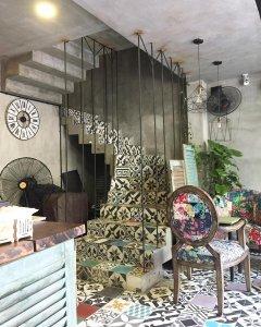 homestay-tai-thanh-pho-da-nang-memory-hostel-dorm-inside-cau-thang