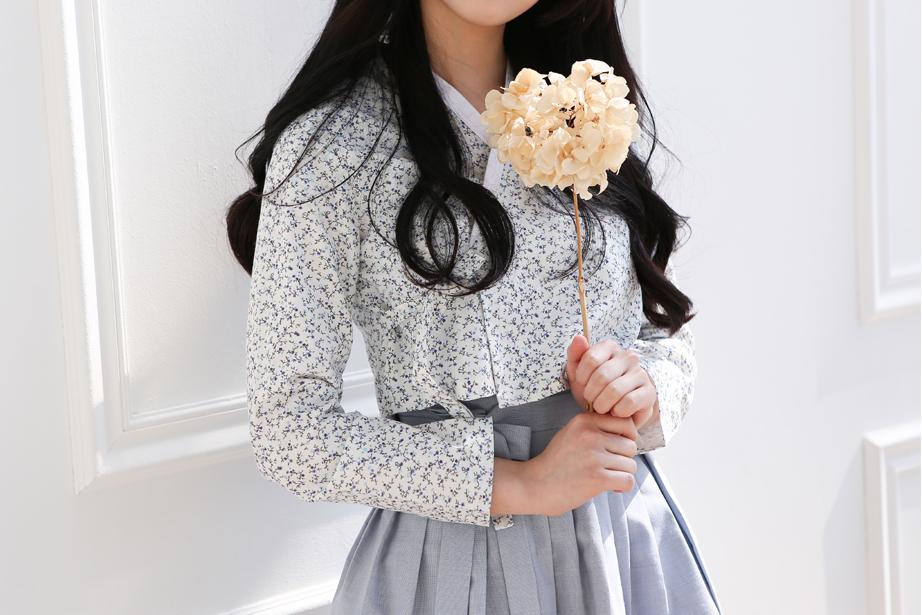 Mặc xinh như gái Hàn với trang phục hanbok cách điệu