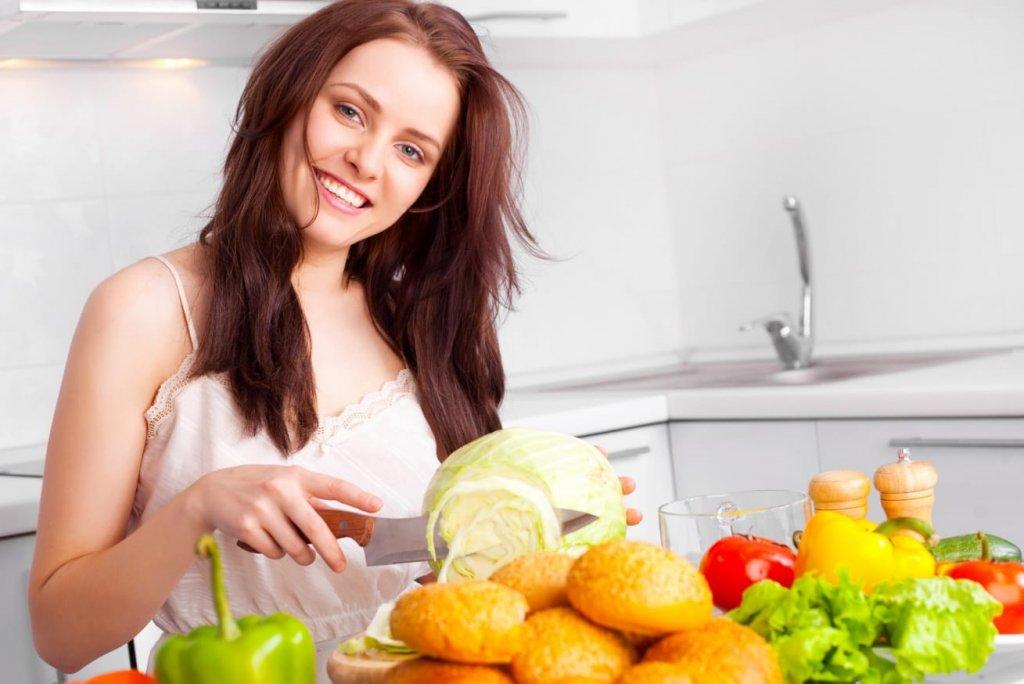 Những lý do không thể hợp lý hơn để con gái nên học nấu ăn