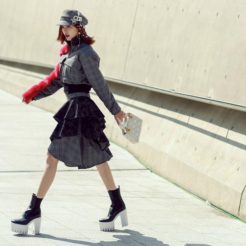 ninh-duong-lan-ngoc-ngay-2-hoa-tiet-ngam-nghia-street-style-cua-sao-viet-tai-seoul-fashion-week