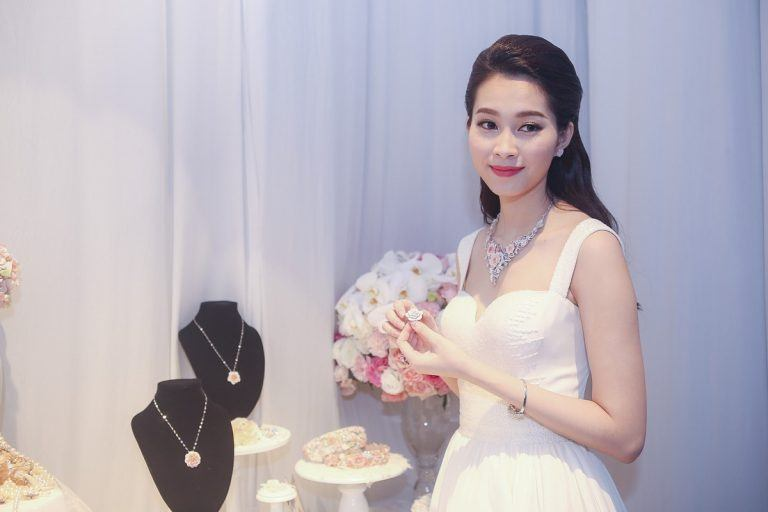 Những shop bán váy xinh cho nàng đi dự đám cưới thật lộng lẫy