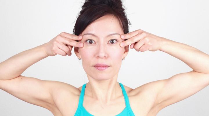 yoga cho khuon mat, bi quyet lam dep cua chuyen gia