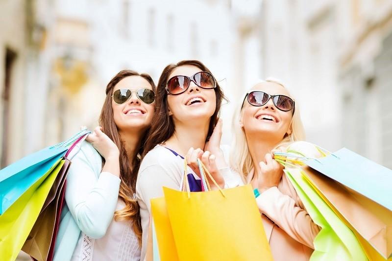 """Giải mã chiêu thức các shop """"dụ dỗ"""" khách hàng shopping không dừng"""