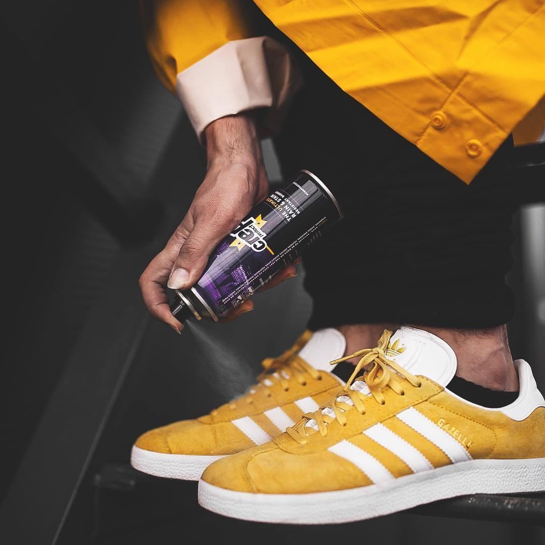 4-4-doi-giay-sneaker-kem-tieng-dang-duoc-phai-dep-me-man