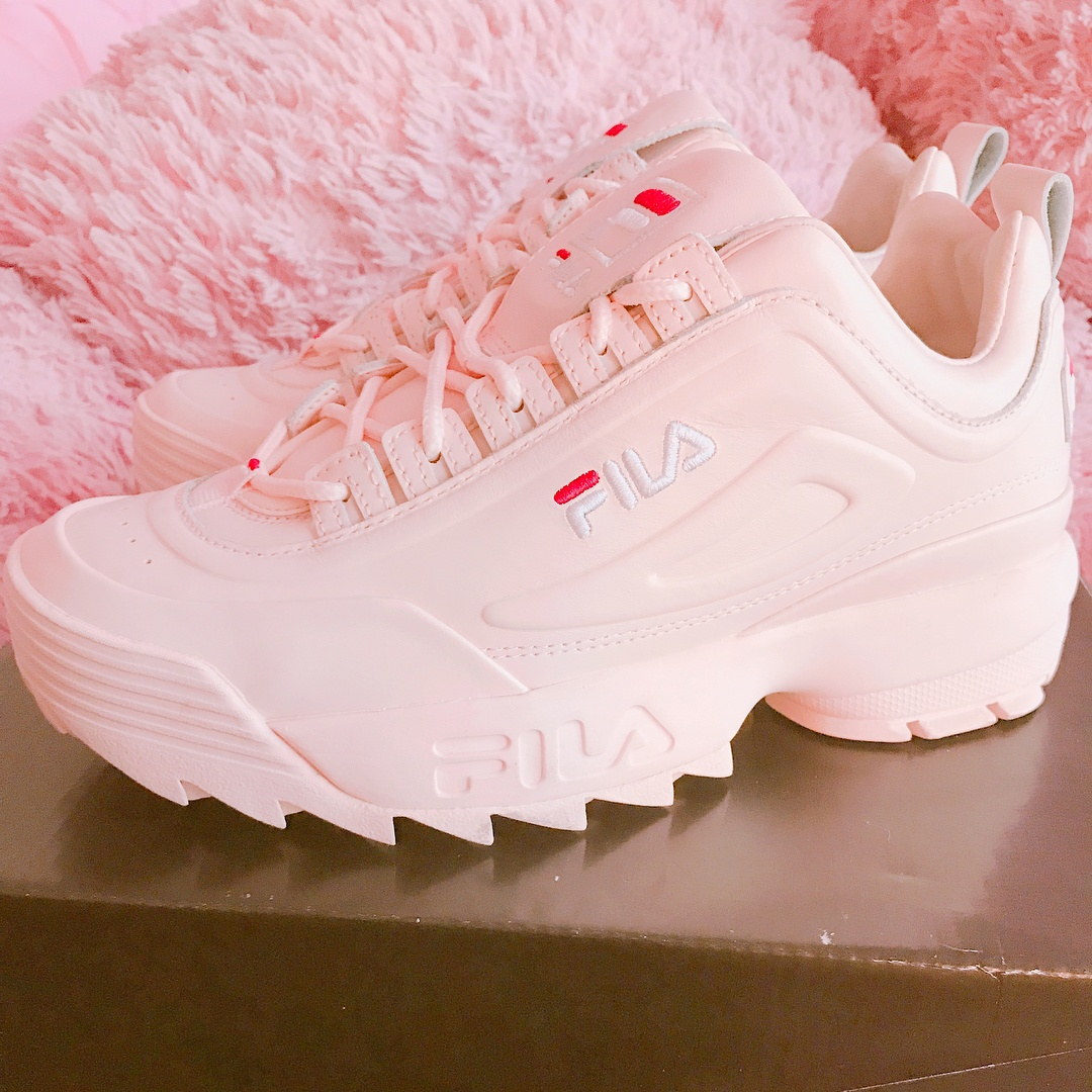 11-4-doi-giay-sneaker-kem-tieng-dang-duoc-phai-dep-me-man