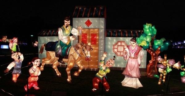 festival-anh-sang-lon-nhat-viet-nam-truoc-gio-mo-cua-o-sai-gon-71f64f36636483367128473507
