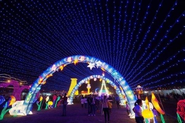 festival-anh-sang-lon-nhat-viet-nam-truoc-gio-mo-cua-o-sai-gon-5fcb5a77636483377528748175