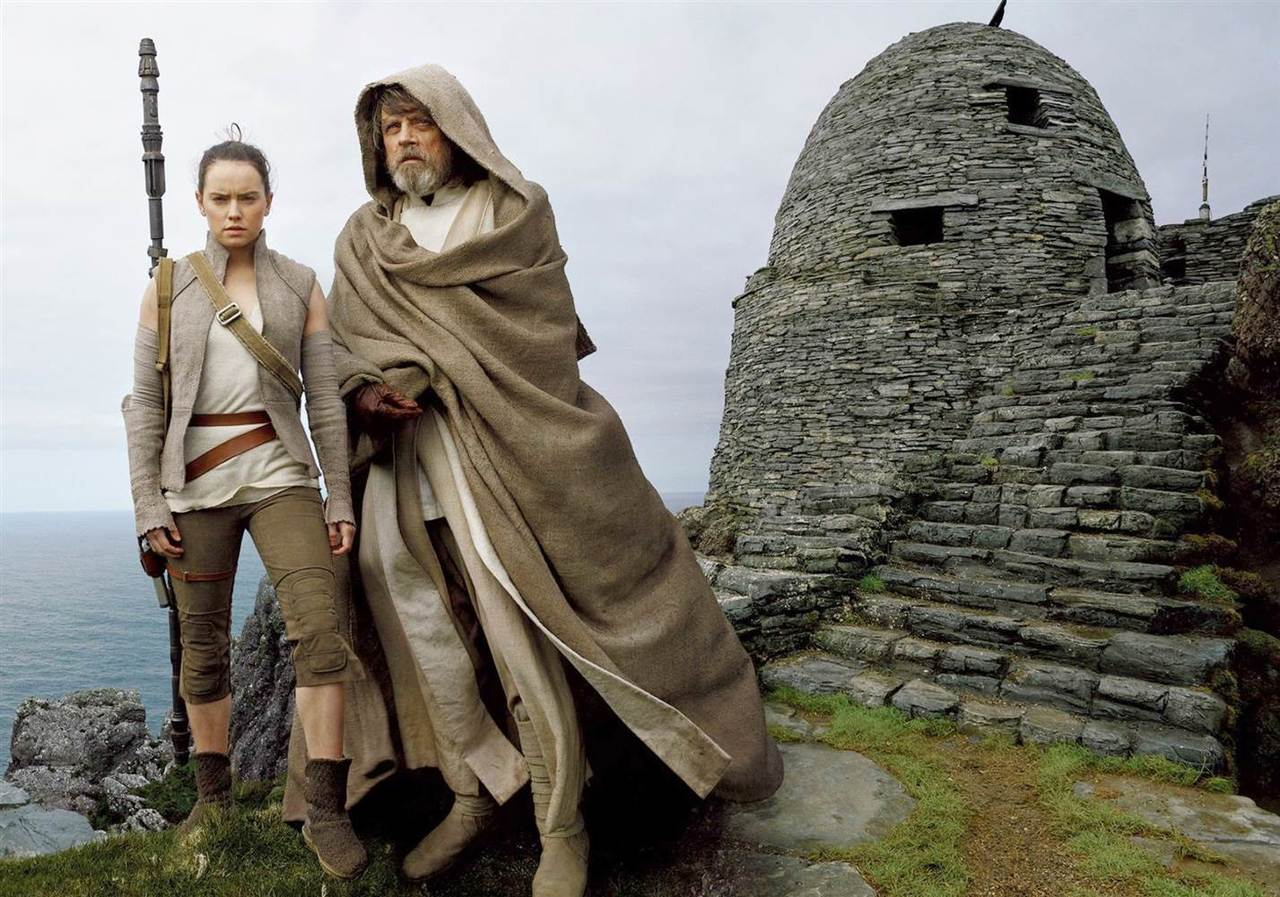 14-the-last-jedi-lai-mot-phan-phim-hay-de-doi-tu-star-wars-copy