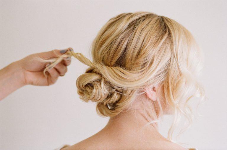 Hướng dẫn cách búi tóc đẹp cho nàng lộng lẫy trong tiệc cuối năm