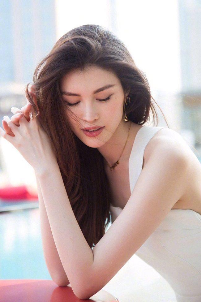 victorias-secret-2017-sui-he-so-huu-lan-da-trang-den-ngoc-trinh-cung-chao-thua-3-1511234187-554-width800height1202