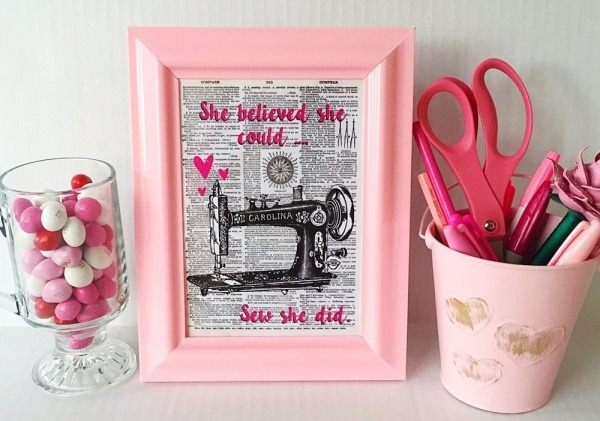 inspirational_pink_vintage_sewing_machine_art_print__5x7_